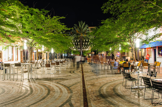 Coral Gables Giralda Avenue at night